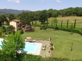 Ferraguzzo independent country house with pooll - Anghiari vacation rentals