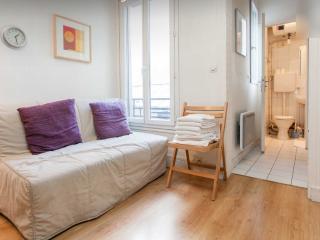 Classic CAIRE ** - Paris vacation rentals