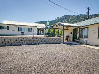 Three separate homes sleeping up to 12 guests! Pets OK! - Leavenworth vacation rentals
