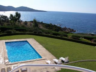 AQUAROSSA VILLA  PRESTIGE  MER PISCINE PLAGE SABLE - Coti-Chiavari vacation rentals