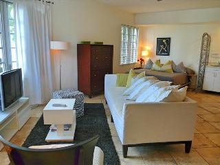 BARBIZON MOJITO - Beachfront Studio/Ocean Drive/Valet Parking - Miami Beach vacation rentals