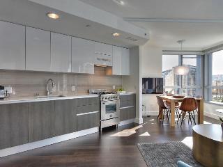 Luxury Linea Condo by SF Designer! - San Francisco vacation rentals