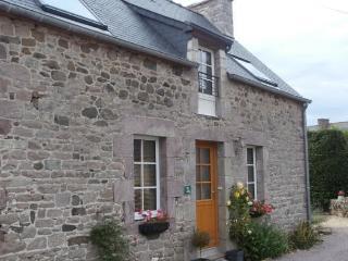 The Little House - Plevenon vacation rentals