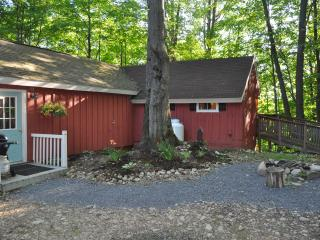 Beautiful Cottage on Autumn Lake #5, Great fishing - Orwell vacation rentals