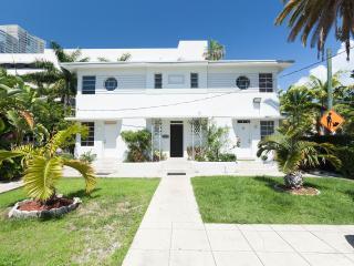 Art Deco cozy apartment - Miami Beach vacation rentals