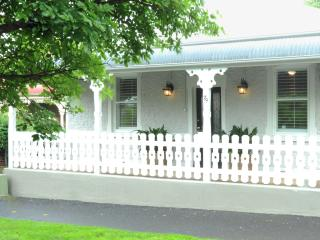 Cottage 79, central Orange - Orange vacation rentals