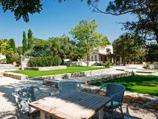 Les 3 Garrigues, Sleeps 8 - Luberon vacation rentals