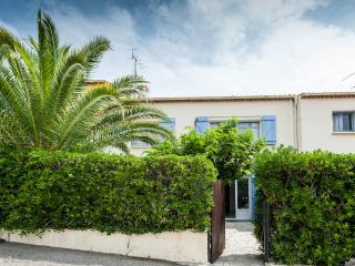 Cannes 2 Apartments Villa, Sleeps 10, with WiFi, T - Cannes vacation rentals
