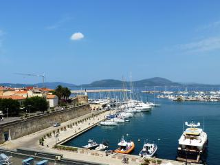 Overlooking port - Alghero vacation rentals