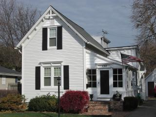 Furnished Grosse Pointe Farm House, Renovated - Grosse Pointe Farms vacation rentals