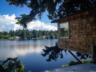 cottage lake tree house bed and breakfast - Woodinville vacation rentals