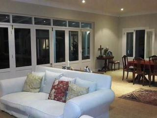 Luxury family villa in Constantia - Constantia vacation rentals