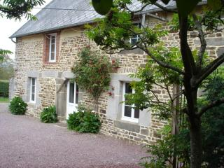 200yr old Gite <1 hr D-Day Beach with hot tub - Percy vacation rentals
