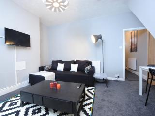 3Bd basic Cls to City Ctr House(H) - Manchester vacation rentals