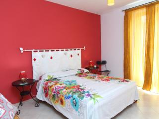 Sunny self catering near the main beach - Cefalu vacation rentals