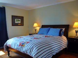 Downtown Golden Mile! Designer Reno Gorgeous Condo - Montreal vacation rentals