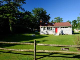 Lovely Cottage in Quiet Chesapeake Bay Community - Lusby vacation rentals