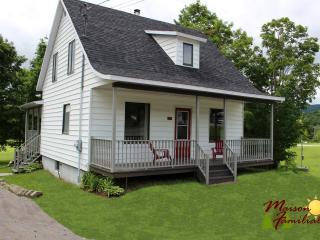 Maison familiale - Saint-Raymond vacation rentals
