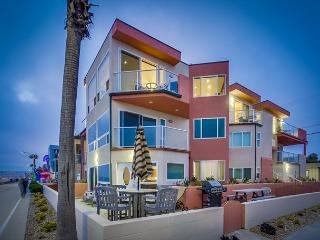 Fabulous oceanfront penthouse on the boardwalk! - Pacific Beach vacation rentals