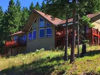 4 for 3 Summer Special! Big Views from Beargrass Lodge! Hot Tub - Roslyn vacation rentals
