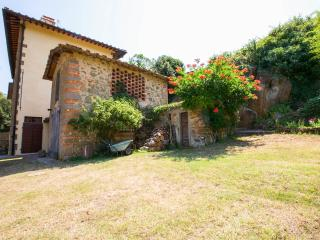 Villa La Pietra Grezza apartment 2 The Lilac - Rignano sull'Arno vacation rentals