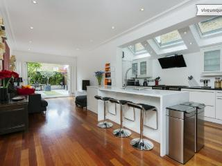 4 bed house on Alfriston Road, Clapham - London vacation rentals