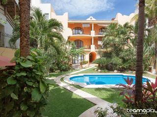 Lovely Condo Steps from Mamitas Beach - Playa del Carmen vacation rentals