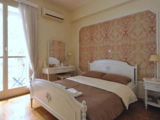 KOLONAKI LUX:TOP LOCATION, A/C,WiFi,METRO,MUSEUMS! - Athens vacation rentals