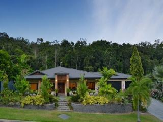 Ulysses Rainforest Retreat - Clifton Beach vacation rentals