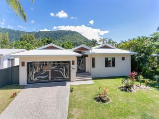 Villa Elba - Palm Cove vacation rentals