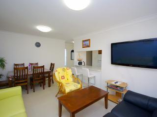 Sandhurst 6 - The Entrance vacation rentals