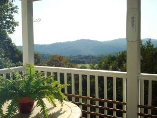 Absolute Paradise Location: Appalachian Ski Mtn / Between Boone & Blowing Rock - Boone vacation rentals
