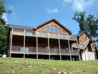 5 OClock Somewhere Location: Appalachian Ski Mtn / Between Boone & Blowing Rock - Boone vacation rentals