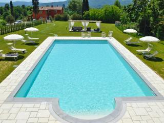 IDYLLIC LOCATION  - set in Private NATURAL PARK - Florence vacation rentals