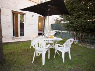 Lovely apartment Family-Run. Garden. WiFi. Vatican - Rome vacation rentals