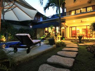 Legian Luxury 2 Bedroom Walk to Bars Dining Beach! - Legian vacation rentals