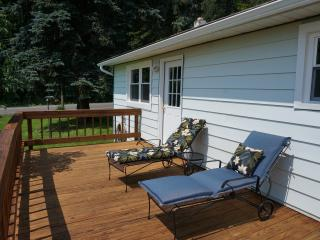 FALL FOLIAGE-  8 acre lake -- totally on property - Honesdale vacation rentals