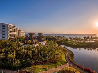 Gr Luxxe Spa Twr Nuevo Vallarta-free golf drb - Nuevo Vallarta vacation rentals