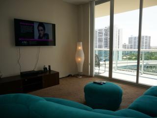 PENTHOUSE 2/2 BDR ON 17TH FL SUNNY ISLES  BEACH - Sunny Isles Beach vacation rentals