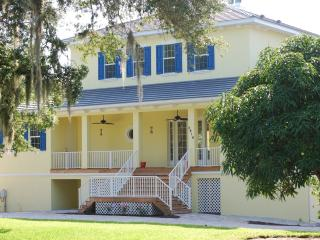 Family friendly beautiful & charming paradise - Sarasota vacation rentals