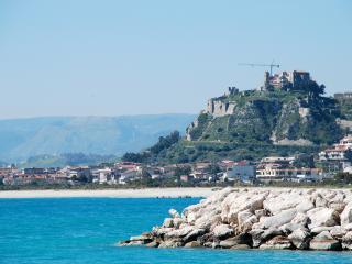 F24 Stignano Mare - Stignano Mare vacation rentals