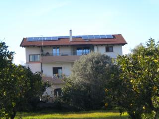 Appartamento arredato - Locri vacation rentals