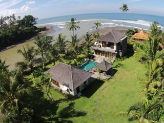 Balian, Bali - Luxury 4 bedroom beach villa - Tabanan vacation rentals