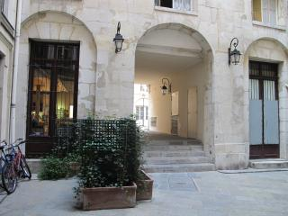 Charming & Luxury in the heart of Les Halles - Paris vacation rentals