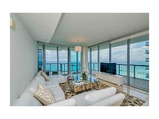 OCEANFRONT SUNNY ISLES HUGE 3 BED - Sunny Isles Beach vacation rentals