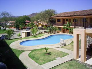 Pequeño Paraiso, funky one bedroom condo in Coco - Playa Ocotal vacation rentals