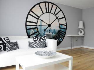 Designer London Apartment 2 Bedrooms L3 - London vacation rentals
