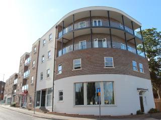 The Curve, Tudor Hall, Conduit Lane - Hoddesdon vacation rentals