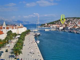 Apartment .Arena 2+2 near centar and beach - Trogir vacation rentals