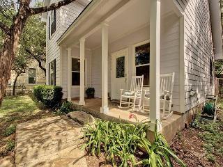 3BR/2BA Green Home, Minutes to Lake Travis, Pets Welcome, Sleeps 6 - Buffalo Gap vacation rentals